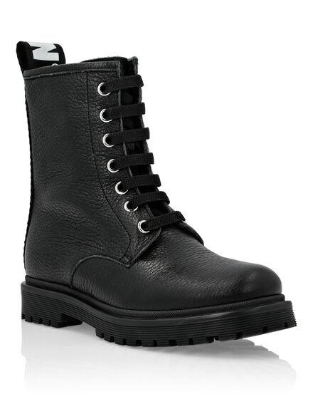 Boots Mid Flat Logos